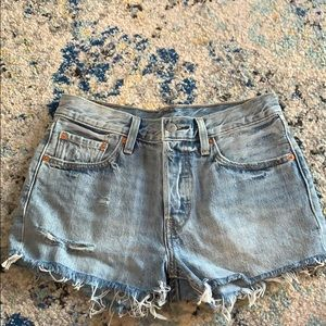 never worn levi's 501 shorts size 26